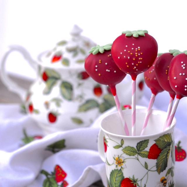 Erdbeeren Cakepops quadratisch