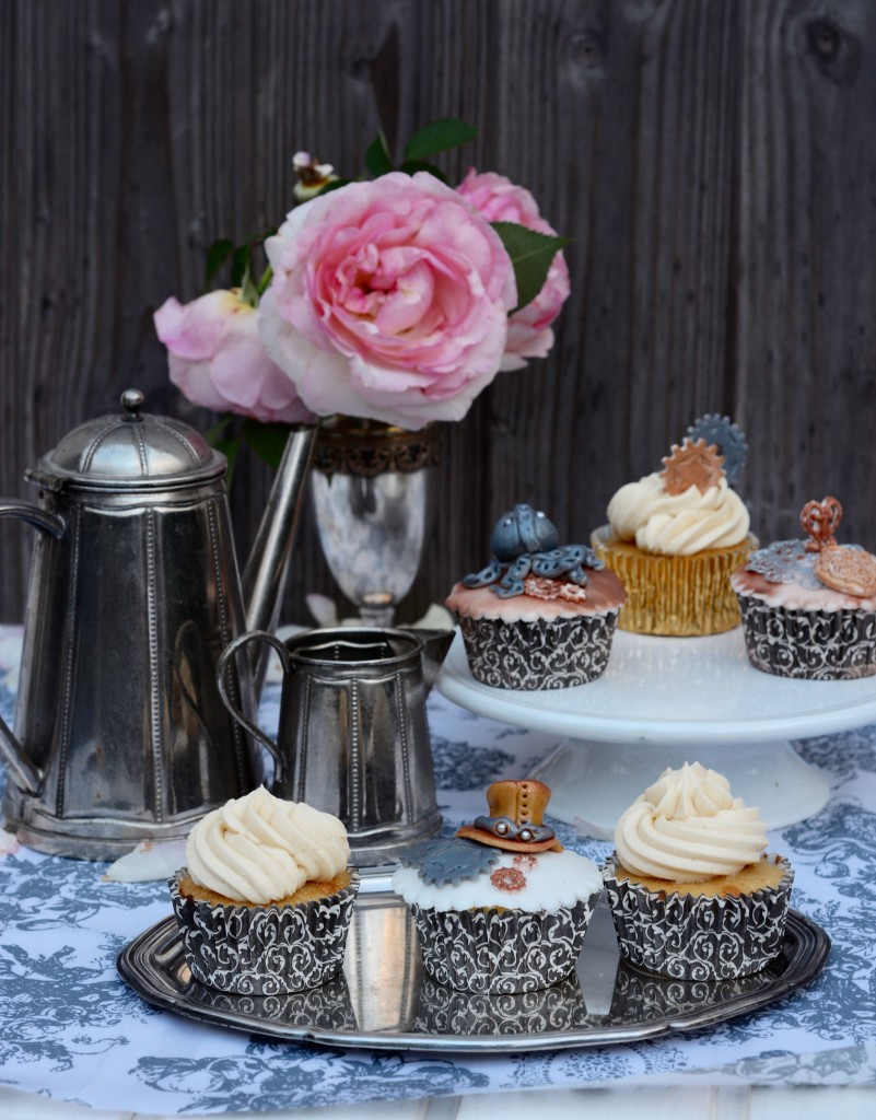Earl Grey Cupcakes Steam punk