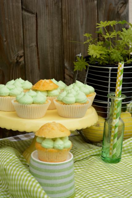 Waldmeister-Cupcakes Cupcakes Zitronen-Waldmeister-Cupcakes