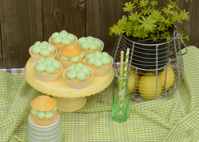 Waldmeister-Cupcakes Cupcakes Zitronen-Waldmeister-Cupcakes