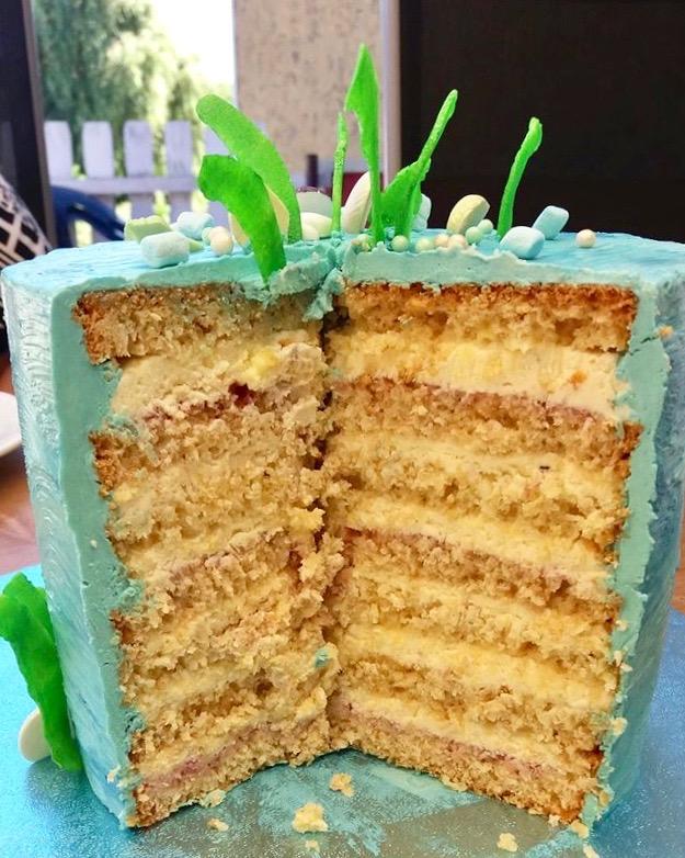 Torte mit Kokosboden und Maracuja-Mascarpone-Creme