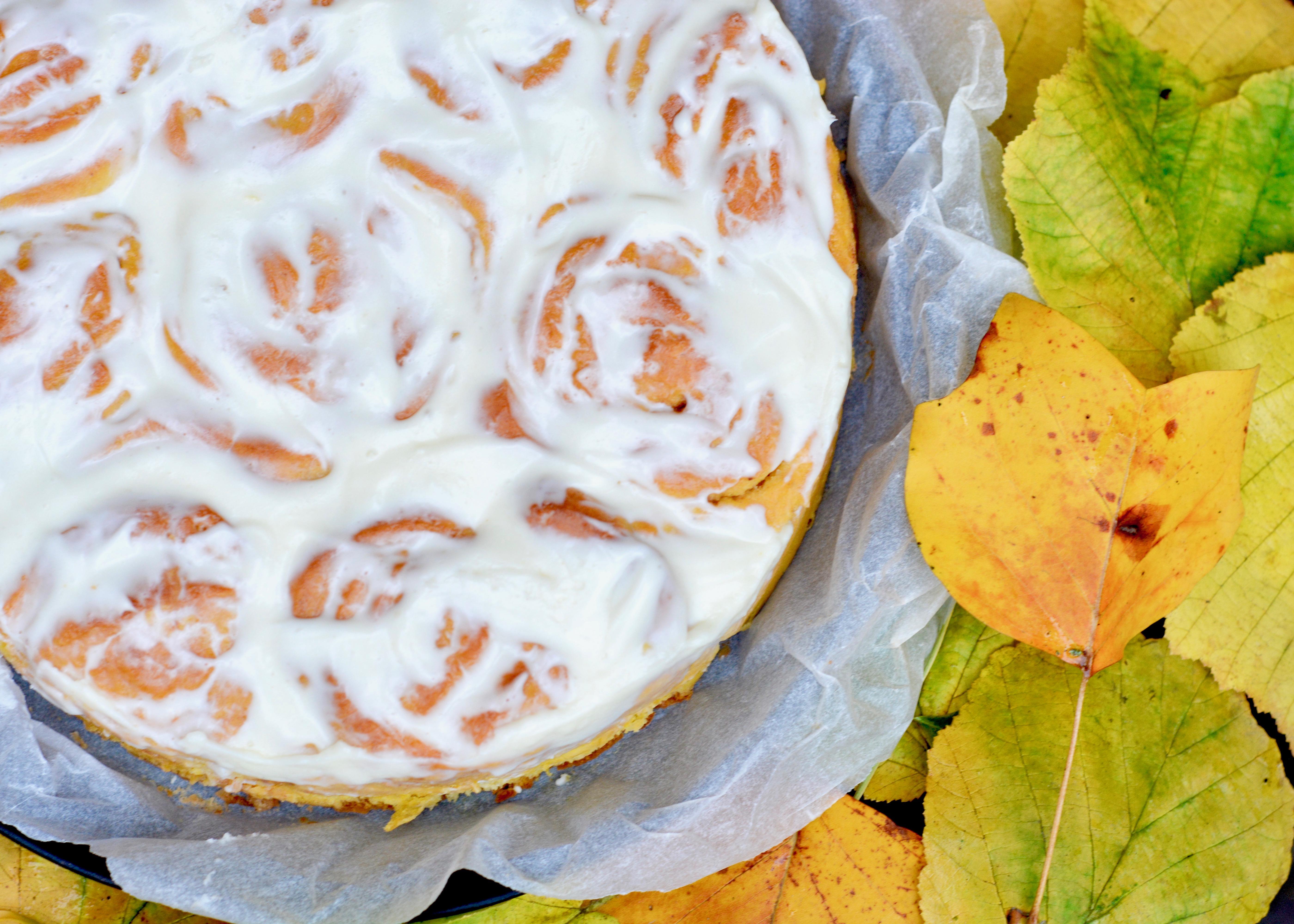 Pumpkin Rolls mit Cream Cheese Frosting