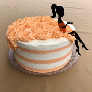 Basiskurs: Eleganter Lady Cake @ Backstudio der Backschwestern